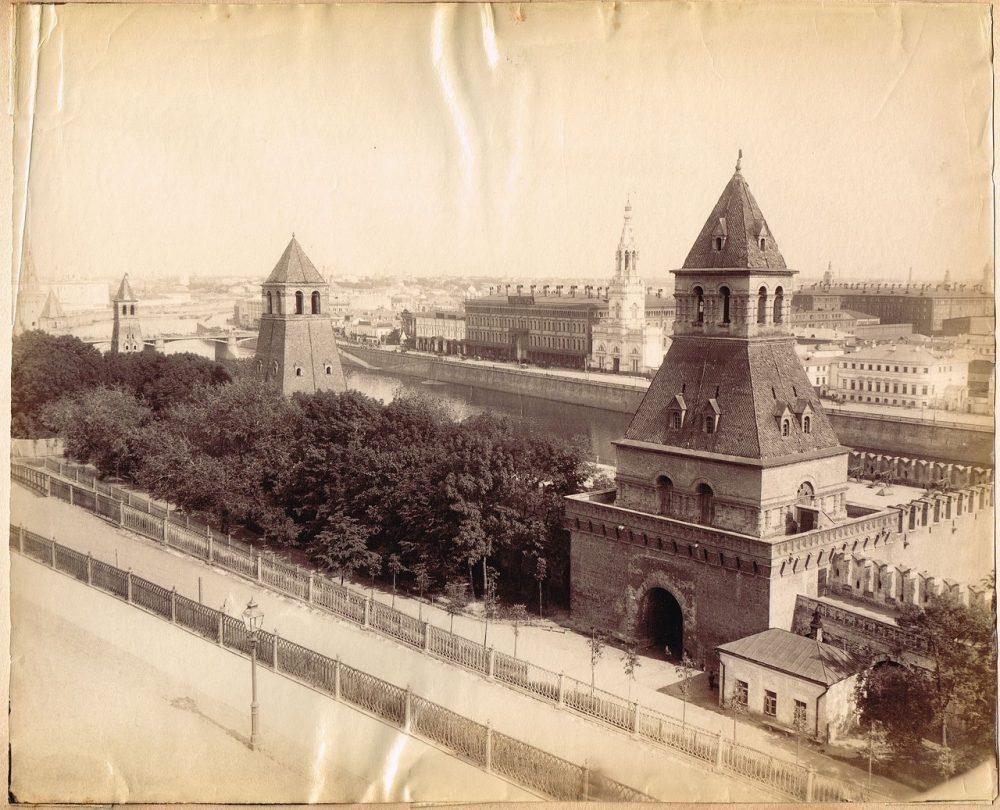 742. Вид Москвы из Кремля (прибл. 1870-1880)