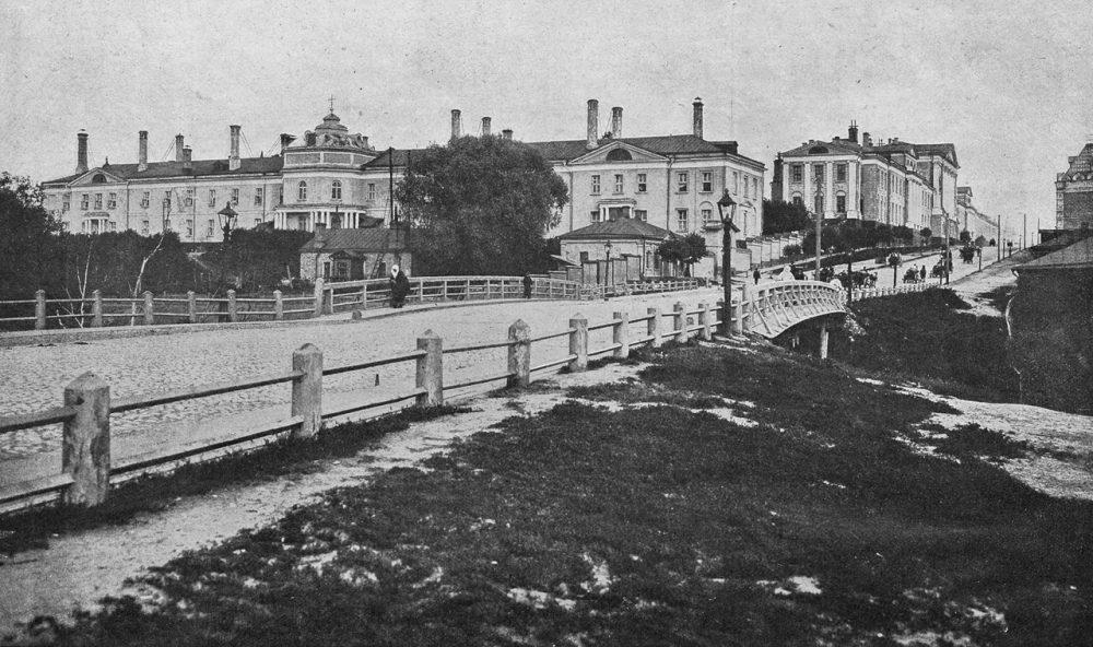 61. Общий вид здания Московского военного госпиталя, 1907