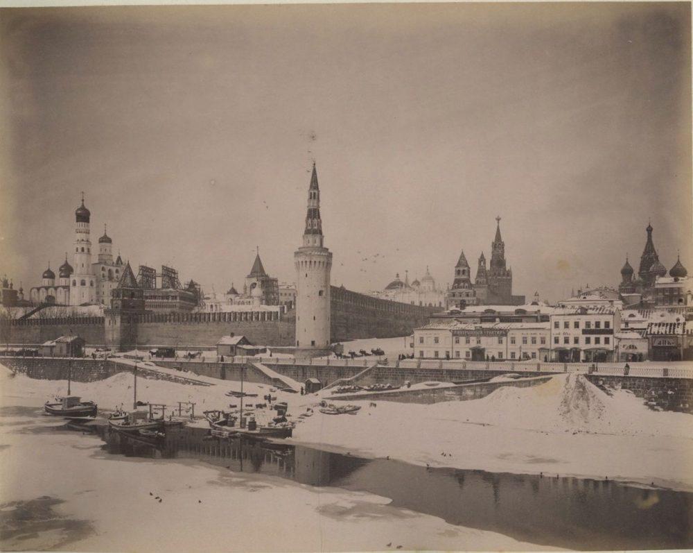 105. Вид на Кремль зимой