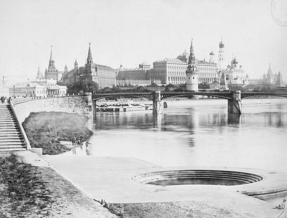 45. Москворецкий мост