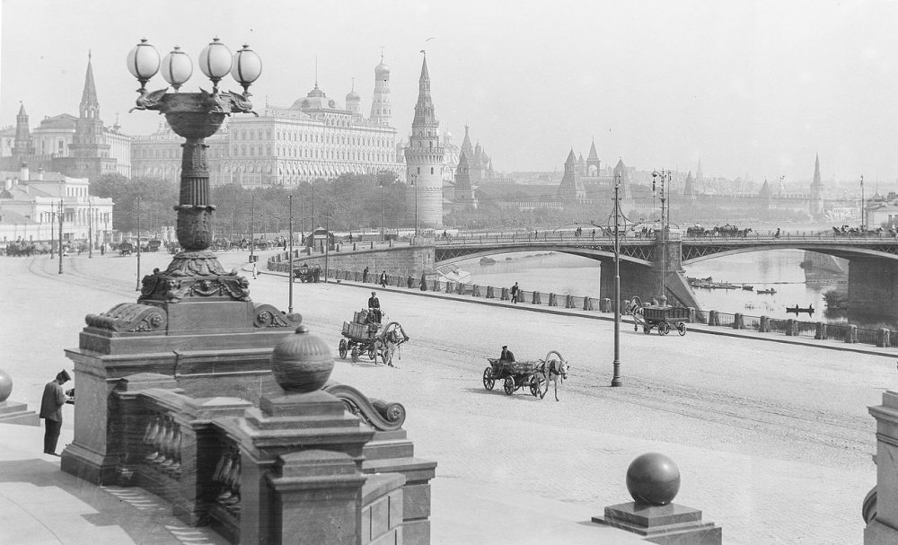 01. Вид на Кремль