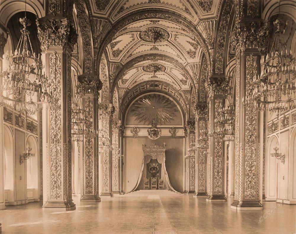 Интерьер Андреевского (тронного) зала Большого Кремлёвского дворца