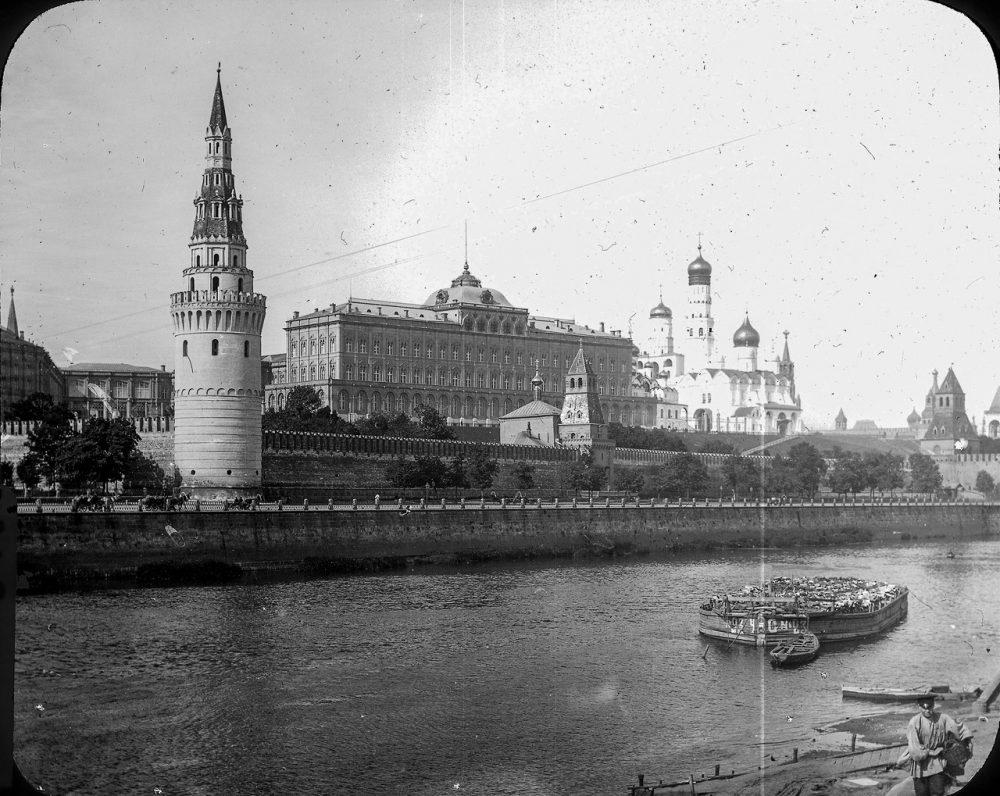 10. Вид на Кремль