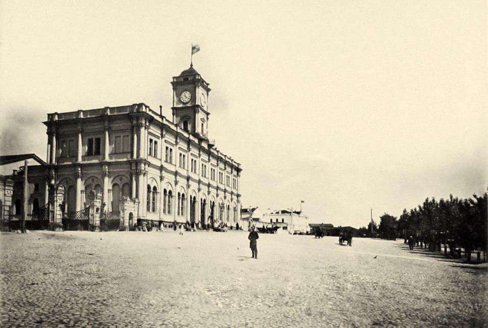 213. Николаевский и Ярославский вокзалы.1890