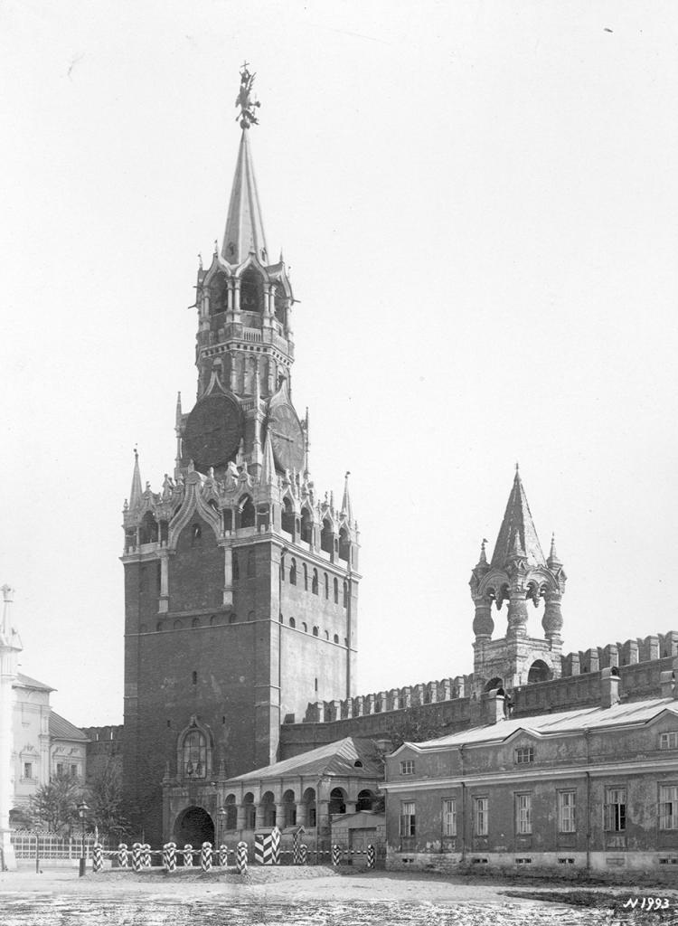 Спасская башня. Вид изнутри Кремля