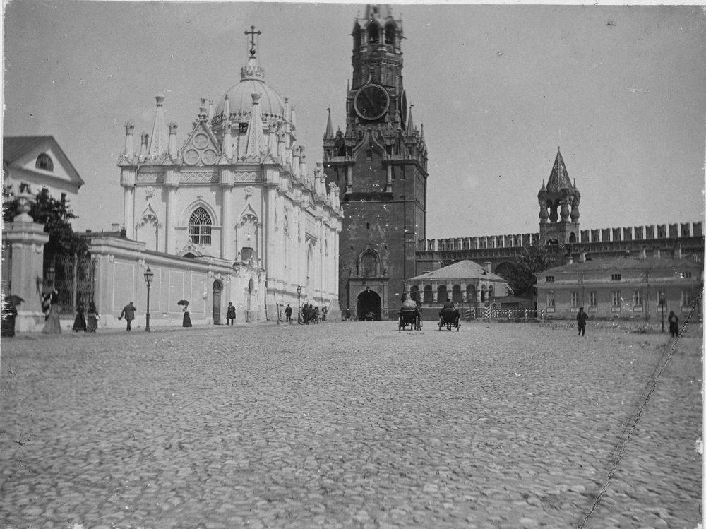 49. Воскресенские ворота Кремля, 1898 год