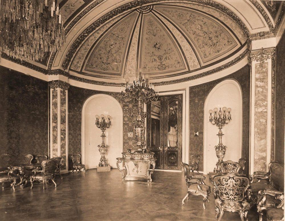 Интерьер Зелёной (парадной) гостиной на Собственной половине Большого Кремлёвского дворца