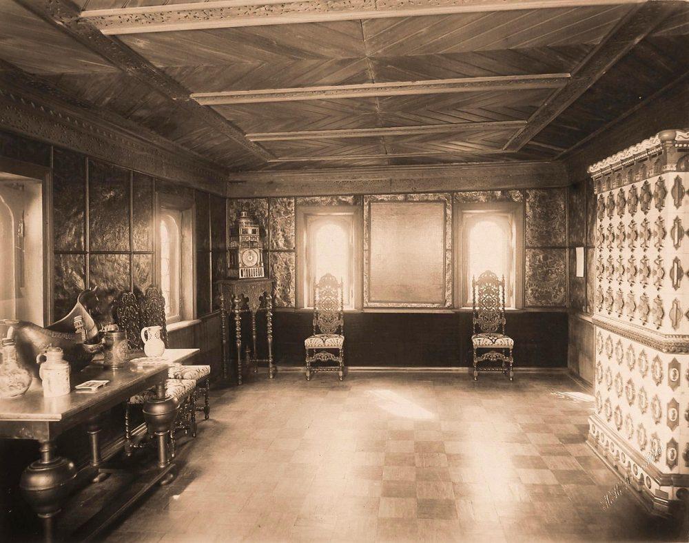 Вид части трапезной в палатах бояр Романовых
