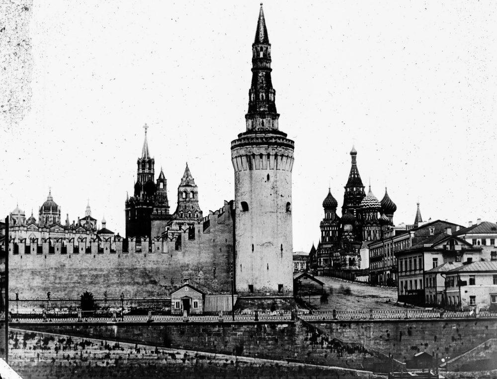 31. Вид на Кремль
