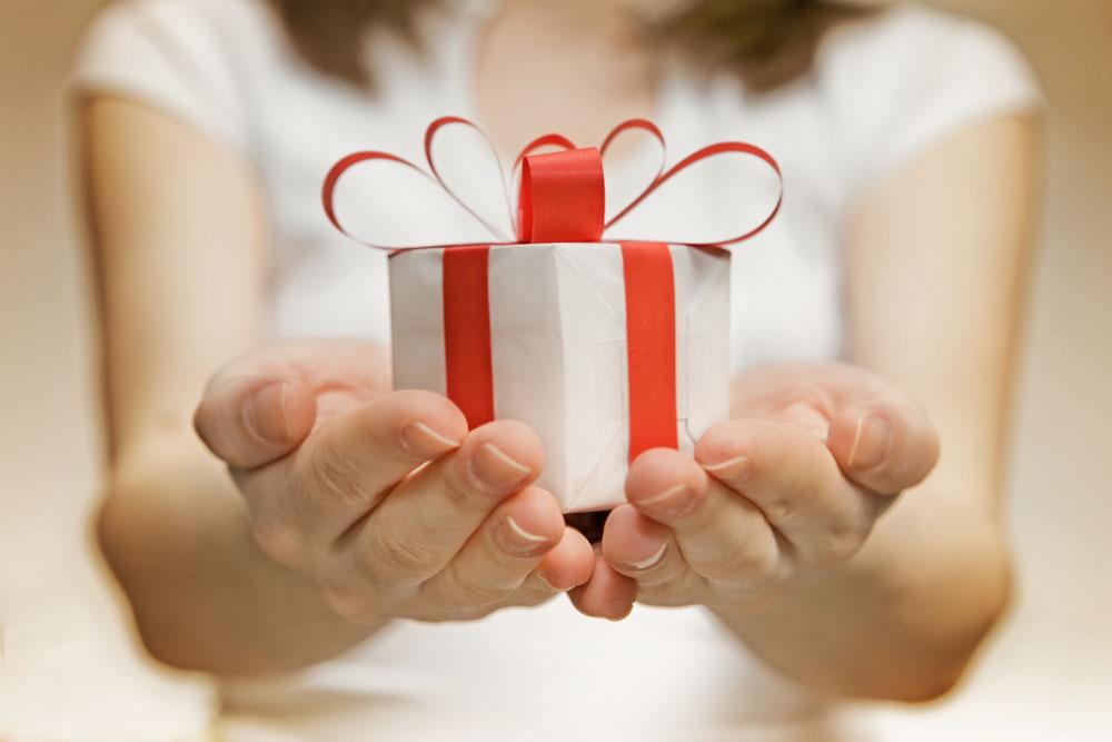 Принесли нам всем подарки 31