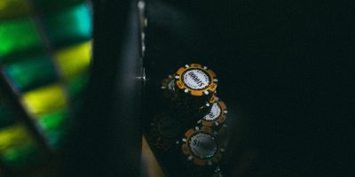 Квест в реальности «Карты, деньги, два стола»