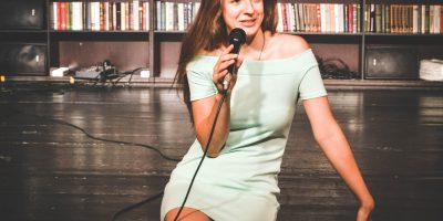 Стэндап-шоу «Открытый микрофон» в Joys Bar