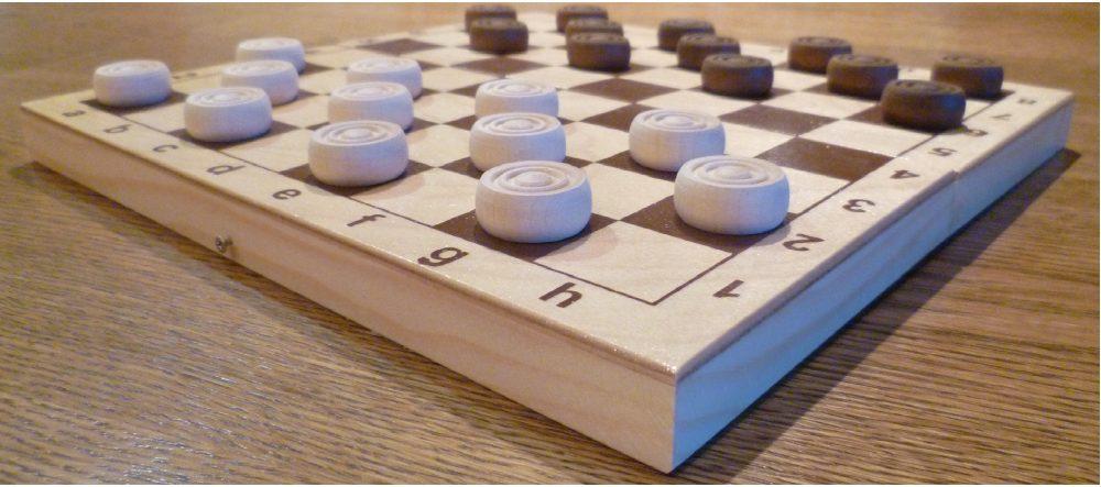 Играем в шашки