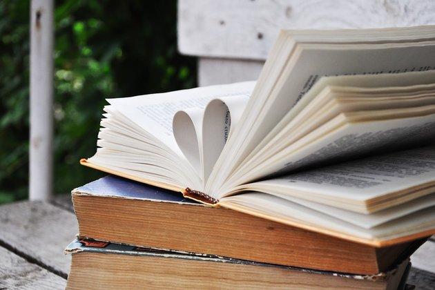 Лекция «Современный писатель: талант или конъюнктура:кого стоит читать и почему»