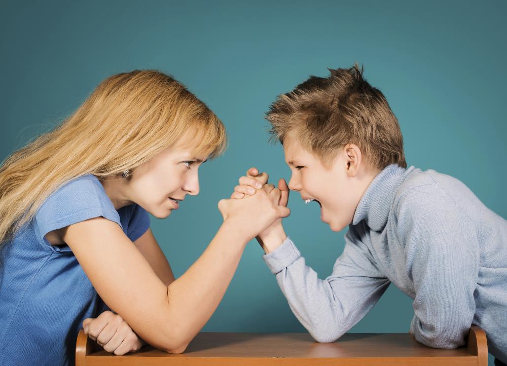 Лекция «Как им управлять? Родительская власть и манипуляции»
