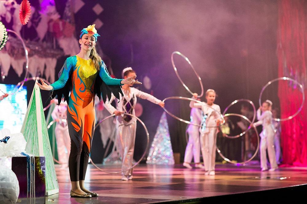 Семейное цирковое шоу Новый год в зазеркалье