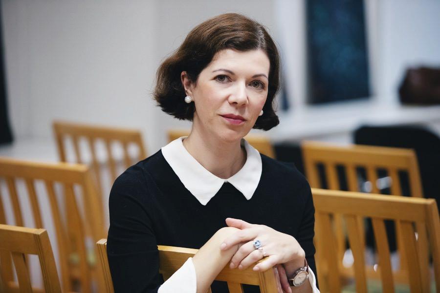 Встреча с писательницей Анной Матвеевой и презентация книги «Картинные девушки»