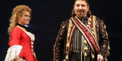 Спектакль «Хитрая вдова» в постановке Театра комедии имени Акимова в РАМТе