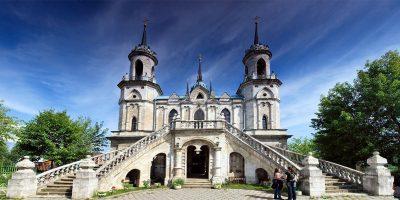 Автобусная экскурсия «Баженов. Усадьба Быково: дворец, готическая церковь и английский парк»