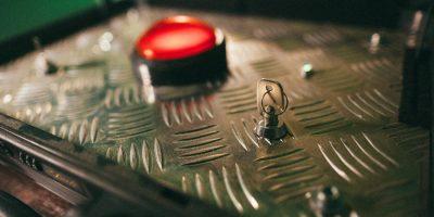Квест «Красная кнопка» от проекта «Кубикулум»