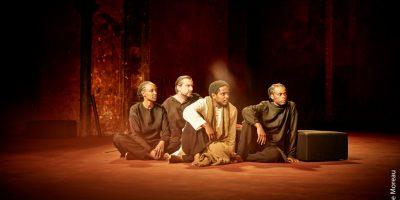 Спектакль «Поле битвы» в постановке Театра «Буфф дю Нор» (Париж, Франция)