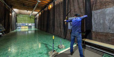 Занятия по стрельбе из лука и арбалета в клубе «Лабиринт»